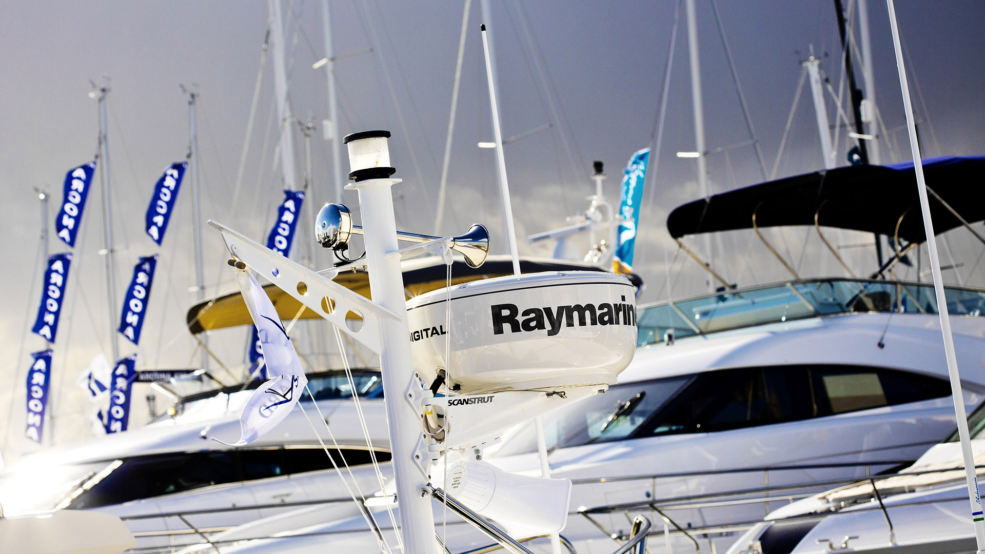 Cowes Week Isle of Wight - Raymarine Yachts