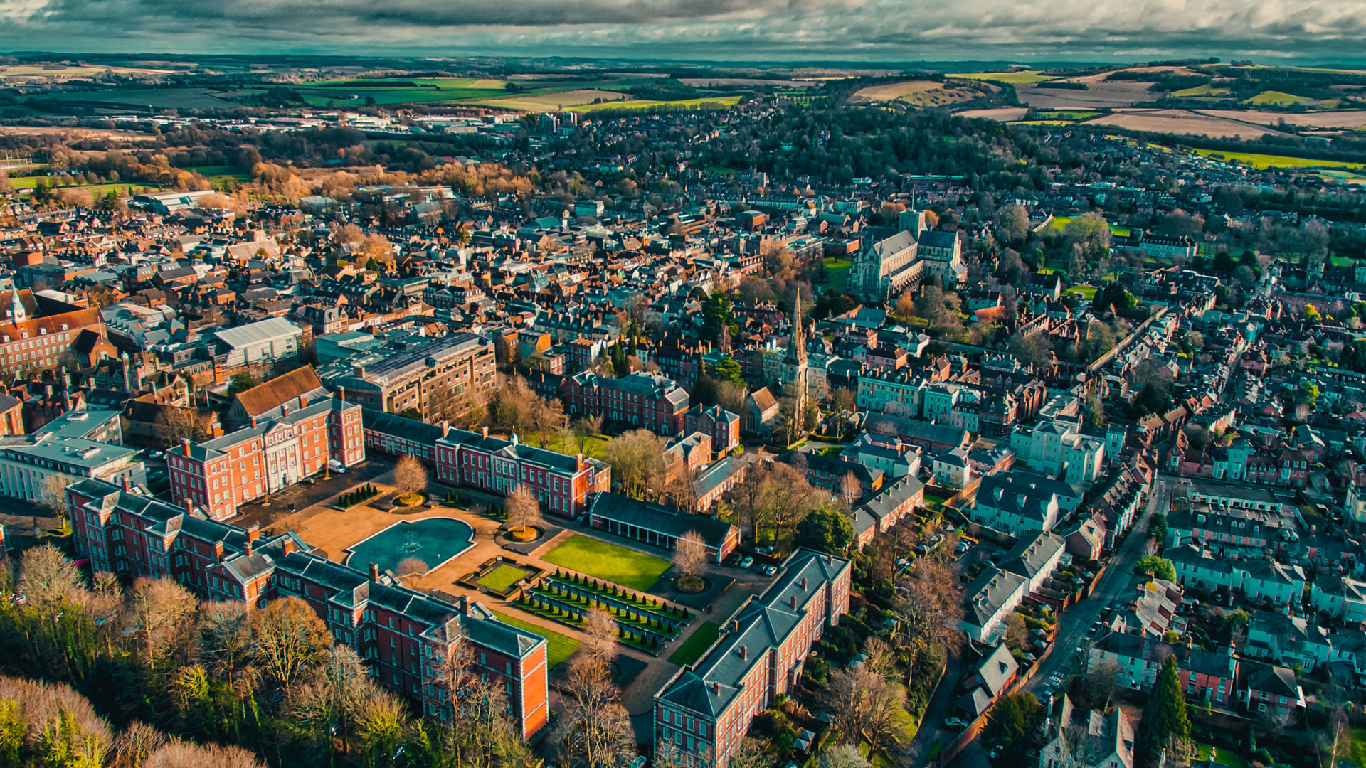 Web_View-over-Winchester,-Hampshire