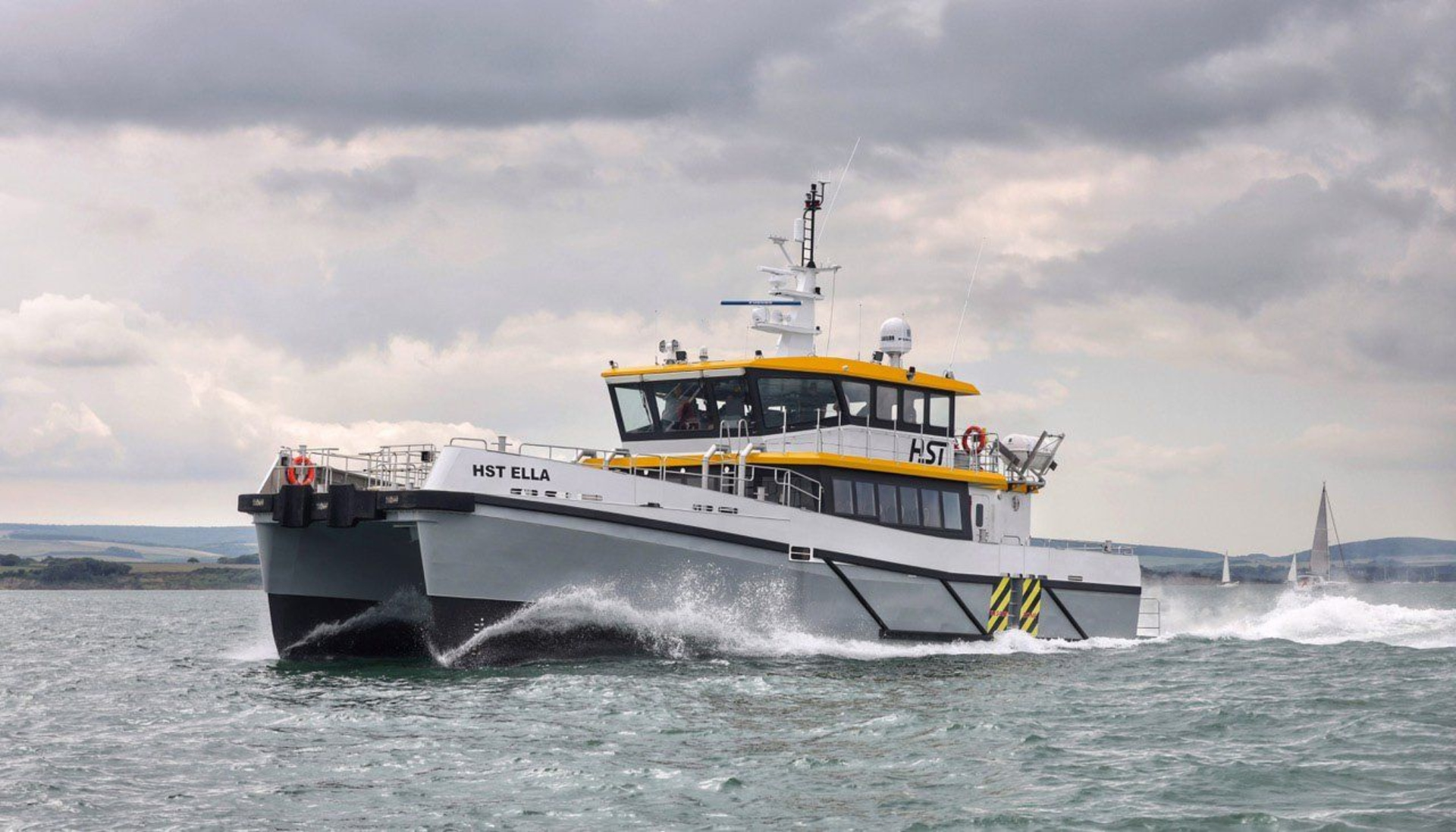 Hybrid vessel for crew transfer unveiled by Chartwell Marine